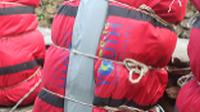 In Nepal you'll receive one of our famous red kit bags to use - and keep! |  <i>Brad Atwal</i>
