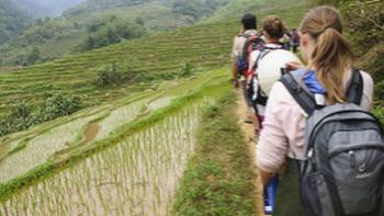Students on trek in Vietnam | Nick Hardcastle