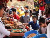 Students exploring the local markets in Peru |  <i>Drew Collins</i>